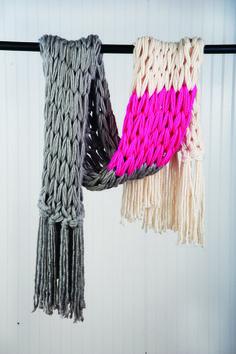 Arm Knitting Tutorial: Color Block Wrap