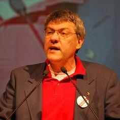 Maurizio Landini (Fiom) chiede a Renzi di intervenire a sostegno dell'imprenditore De Masi