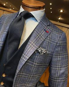 #Isaia Jacket, #100hands Shirt, #Altea Cravate, #Eleventy Gilet, #Altea Pochette ! #Montulet