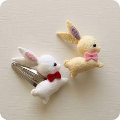 Gingermelon Dolls: Free Mini Bunny Pattern- for barrettes, headbands, more! Felt Diy, Felt Crafts, Easter Crafts, Fabric Crafts, Sewing Crafts, Sewing Projects, Craft Projects, Diy Crafts, Felt Bunny