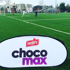 Chocomax encourage les joueuses de soccer de Garneau et de Lionel-Groulx! Après ton sport, le meilleur c'est Chocomax! #GOMAX #RSEQnoussommes1 #soccer #chocomax