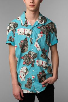 Great shirt by Vans with a lot of Maneki Neko on it