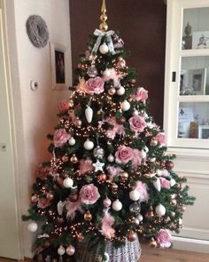 51 New Ideas Christmas Tree Dcoration PinkYou can find Pink christmas and more on our New Ideas Christmas Tree Dcoration Pink Pink Christmas Tree Decorations, Elegant Christmas Trees, Cool Christmas Trees, Noel Christmas, Holiday Tree, Xmas Tree, Christmas Ideas, Christmas 2018 Trends, Vintage Christmas