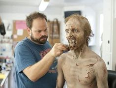 Since Halloween season started few days ago, we will not talk about new movies. Today we talk about amazing zombie costume from walking dead tv show Walking Dead Makeup, The Walking Dead, Walking Dead Costumes, Walking Dead Zombies, Make Up Tricks, How To Make, Zombie Makeup Tutorials, Zombie Monster, Zombie Walk