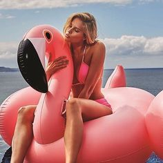 Add a big splash of fun to your summer with Pink Flamingo Float Inflatable Party Pool Float for Summer. This flamingo float will make sure that all eyes are on you at the next summer party. Hop on this incredibly comfortable flamingo pool float an. Giant Inflatable Pool Floats, Giant Pool Floats, Unicorn Inflatable, Pink Flamingo Float, Flamingo Pool, Pool Floats For Adults, Pool Toys, Foto Pose, Plein Air