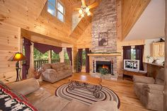 Cherokee Lodge - This is a gorgeous 4 bedroom Cabin in the Smokies! You will enjoy every moment you spend here!