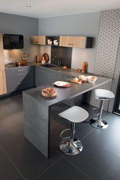 40 Beautiful Small Kitchen Design Decoration Ideas Feelikeroom Small Kitchen Id. Kitchen Room Design, Kitchen Sets, Modern Kitchen Design, Home Decor Kitchen, Kitchen Layout, Interior Design Kitchen, Kitchen Furniture, Home Kitchens, Interior Livingroom