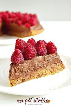 Wegański torcik z kremem czekoladowym i malinami (bez cukru) Healthy Sweets, Vegan Recipes, Cheesecake, Food And Drink, Gluten Free, Sugar, Calzone, Cookies, Desserts