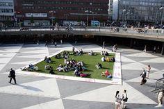 Artificial Gras in City Square