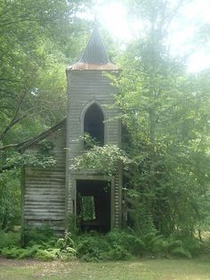 Chackbay, LA : old church in chackbay louisiana;I LOVED looking at this old church every day on my way to and from school. Abandoned Churches, Old Churches, Abandoned Places, Abandoned Mansions, Haunted Places, Old Country Churches, Take Me To Church, Church Building, Chapelle