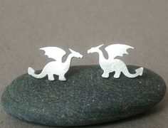 MUST HAVE. Dragon Earring Studs. I want I want I want.