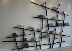 Estante aberta de parede lacada MIKADO by Compagnie design Jean-François Bellemère Wall Mounted Bookshelves, Creative Bookshelves, Modern Bookshelf, Bookshelf Design, Wall Shelves, Bookshelf Ideas, Book Shelves, Cd Shelving, Bookshelf Decorating