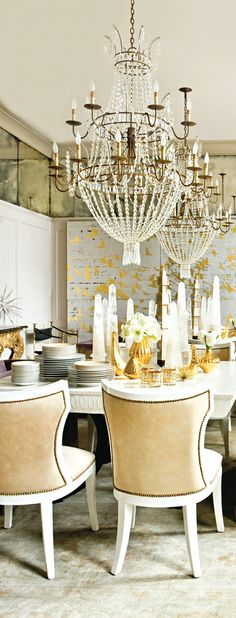 On the verge to set the table with style with crystal obelisks of various sizes... glamourous & prestigeous diner ahead...