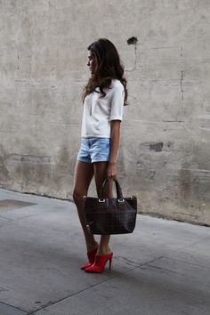 fall handbags, 2014 accessory trends, sazan, barzani, fashion blogger, twice app, vince camuto handbag, buy and sell online, designer handbags, red shoes, red heels, fall trends, nyfw, new york, what is fashion, outfit ideas, affordable finds, beauty ideas, hair ideas, photography, street style, fashion inspiration