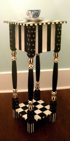 Очень классная идея декорирования столика! <br>фото из интернета