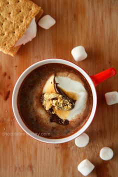 Smores Hot Cocoa - the ultimate hot cocoa drink with toasted marshmallows and cookie butter to remind you of your fav campfire treat