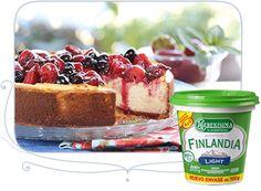 Cheesecake con Salsa de Frutos Rojos con Finlandia La Serenísima