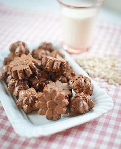 Dobré a zdravé, takové jsou tyhle kakaové kokosky. Chcete-li je mít opravdu dokonalé, použijte místo normálního oleje kokosový; Greta Blumajerová