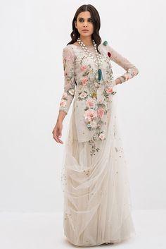 Sania Maskatiya 2019 Buy in Milwaukee, Las Vegas, Kansas City. Buy latest Pakistani and Indian Designer Dresses Online. Designer Party Wear Dresses, Indian Designer Outfits, Indian Outfits, Indian Gowns Dresses, Pakistani Dresses, Bridal Dresses, Bridal Outfits, Stylish Dresses, Fashion Dresses
