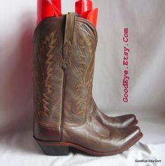 addb7e2cdbf 51 Best Vintage Western Boots images in 2019 | Cowboy boots, Western ...