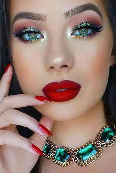 48 Red Lipstick Looks – Get ready for a new kind of MAGIC - Makeup Tips Tutorials Makeup Art, Lip Makeup, Makeup Tips, Makeup Ideas, Cool Makeup, Simple Makeup, No Make Up Make Up Look, Eye Make Up, Red Lipstick Looks