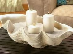 Clam shell candle holder