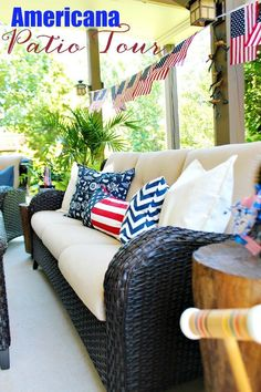 Summer decorating made easy, Red, White and Blue - Americana Decor - perfect for summer entertaining outdoors on the deck or patio. #outdoorliving #summer #summerdecor #redwhiteandblue #patriotic #pillows #patio #deck