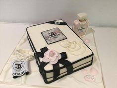 Chanel cake by Donatella Bussacchetti