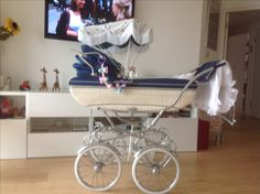 Vintage Pram, Prams And Pushchairs, Kids And Parenting, Baby Strollers, Retro, Children, Bebe, Kids Wagon, Baby Prams