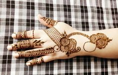 Henna Mehind Designs for EiD Henna art, Bridal henna Mehndi Designs Art Shop now. Henna Hand Designs, Eid Mehndi Designs, Mehndi Desine, Mehndi Designs Finger, Simple Arabic Mehndi Designs, Stylish Mehndi Designs, Mehndi Designs For Beginners, Bridal Henna Designs, Mehndi Designs For Girls