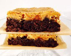 Hach, wie mich das freut! Endlich ist das neue Buch Cookies von Cynthia Barcomi erschienen. Und wie der Namees bereits preisgibt, gibt es diesmal 70 Rezepte rund um das Thema Cookies. Aber nicht nur Cookies, sondern auch Rezepte für Brownies, Biscotti, Plätzchen und vieles mehr. Pie Dessert, Biscotti, Baking, Desserts, Projects, Peanut Butter, Random Stuff, Dessert Ideas, Round Round