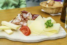 Ausflugsziele Schweiz: 99 Ideen für einen tollen Tagesausflug Swiss Alps, Cheese, Food, Fitness Workouts, Switzerland, Travel, Switzerland Destinations, Day Trips, Road Trip Destinations