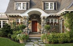 http://betterdecoratingbible.com/wp-content/uploads/2013/03/English-cottage-ideas-walls-hobbit-happy-hollow-creek-home-summer-stone-baked-fi...