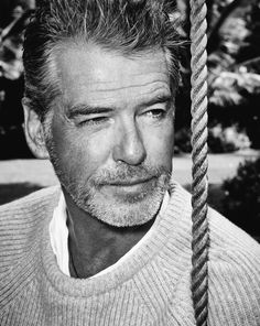 ... james Bond Pierce Brosnan