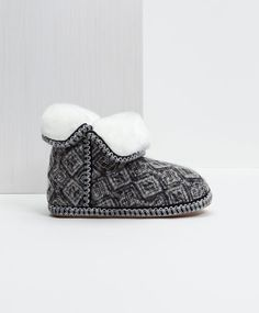 Fabric ankle boots with printed ethnic detail - OYSHO