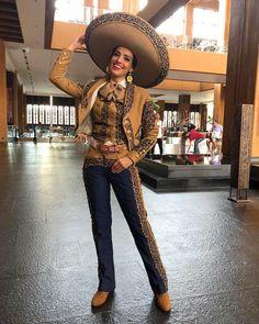 """Vanessa Ponce de Leon on Instagram  """"Mis primeras horas en China y  sintiéndome cerquita de mi México querido 9cda84ed789"""