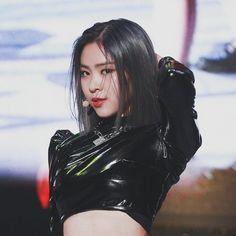 Kpop Girl Groups, Korean Girl Groups, Kpop Girls, Kpop Aesthetic, Aesthetic Girl, Cool Girl, My Girl, Role Player, Doja Cat