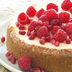 Satisfy your craving for something sweet and luscious with this delectable bake. Donuts, Baking Recipes, Dessert Recipes, Great Recipes, Favorite Recipes, Toffee Sauce, Digestive Biscuits, No Bake Cheesecake, Cheesecake Recipes