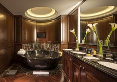Here's what it's like to stay in one of Washington's presidential suites - MarketWatch