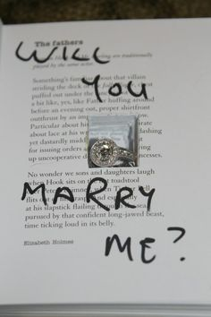 this is definatly that way i want to be proposed to but with a harry potter book but maybe not i'd cry if anybody ruined a harry potter book