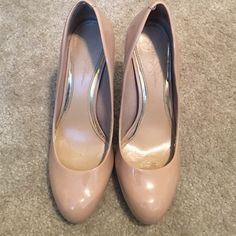 """JESSICA SIMPSON nude pumps  Great nude, rounded-toe, patent pumps! Apprx. 5.5"""" heel. Only worn a couple of times. Only a couple marks/scuffs as pictured. Haven't tried to buff out the red spot but probably possible. Jessica Simpson Shoes Heels"""