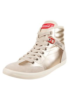 Zapatilla Dorada Coca Cola Shoes Gold de Coca-Cola Shoes b7b987949f9b4