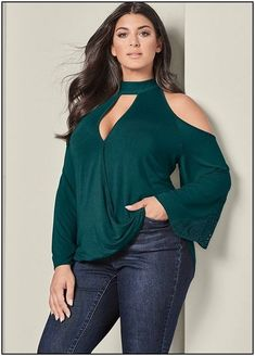 Cute Outfits For Plus Size Women. Graceful Plus Size Fashion Outfit Dresses for Everyday Ideas And Inspiration. Plus Size Refashion. Fashion Week, Curvy Fashion, Plus Size Fashion, Fashion Tips, Looks Plus Size, Plus Size Tops, Plus Size Dresses, Plus Size Outfits, Modest Work Outfits