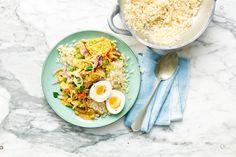 Kijk wat een lekker recept ik heb gevonden op Allerhande! Bloemkoolrijst met groente, gele curry en ei