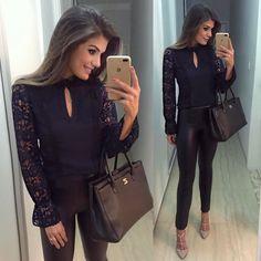 """4,384 curtidas, 19 comentários - Blog Trend Alert (@arianecanovas) no Instagram: """"{Sunday } Calça skinny com blusa de renda, tudo @luziafazzollioficial • #ootn #selfie…"""""""