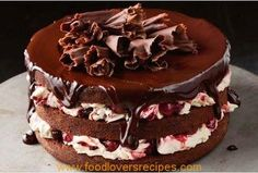 This luscious twist on classic black forest cake has a rich chocolate cherry sauce on top to intensify the flavour. Food Cakes, Cupcake Cakes, Cupcakes, Sweet Recipes, Cake Recipes, Ma Baker, Cherry Sauce, Black Forest Cake, Cake Online