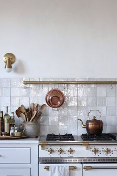 10 Things Nobody Tells You About Zellige, the Trendiest Tile of 2019 - Remodelista Eat In Kitchen, Country Kitchen, French Kitchen, Neptune Home, French Country Bedrooms, Butcher Block Countertops, Studio Mcgee, Cuisines Design, Stone Flooring