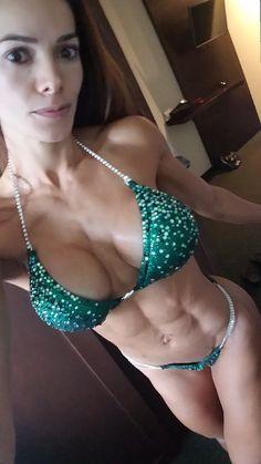 Día de la competencia! #bikinicompetitor #fitnessgirl #mexico