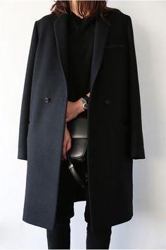 34 trendy fashion street style dress all black Fashion Mode, Minimal Fashion, Look Fashion, Fashion Outfits, Womens Fashion, Fashion Black, Trendy Fashion, 80s Fashion, Fashion Vest