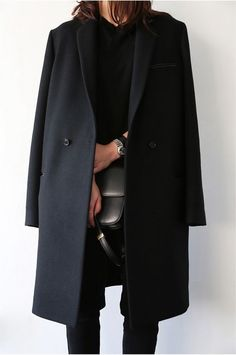 The perfect black coat | Her Couture Life www.hercouturelife.com